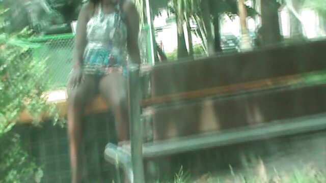 TUTOR4K, o homem põe o professor de joelhos os melhores videos porno brasileiro para um broche e fode-a